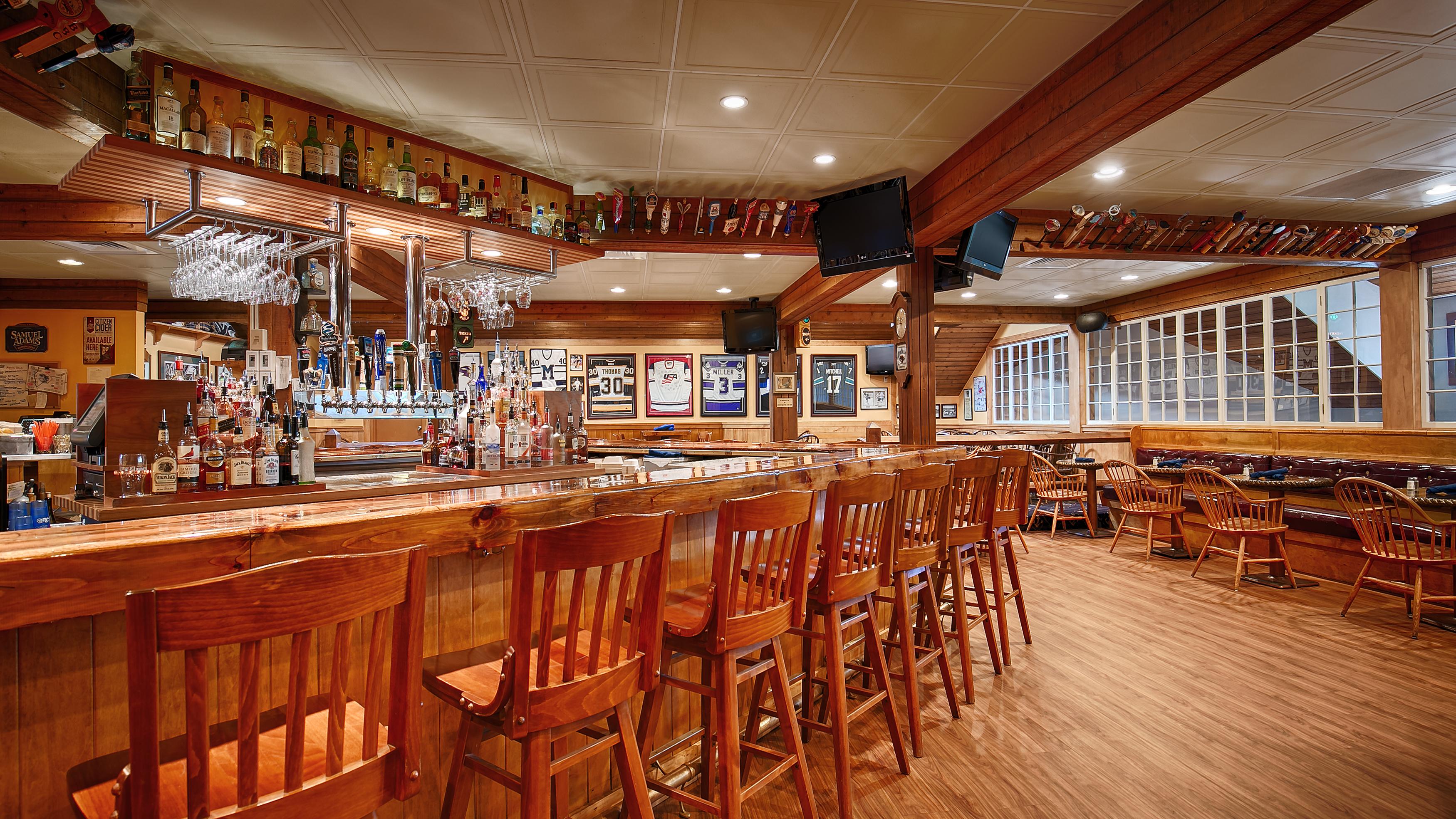 Best western plus windjammer inn conference ctr for Cabins burlington vt